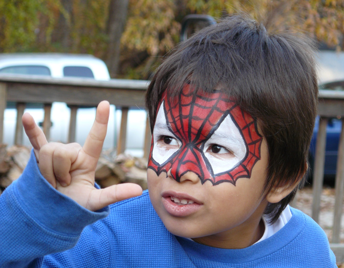 Super hero spider guy face painting
